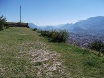 En platå på ett berg i Grenoble arkivfoton