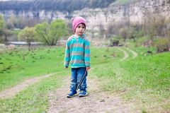 En pojke med en pinne Royaltyfri Foto