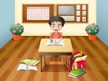 En pojkehandstil på tabellen Arkivbild