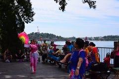 En populär lantlig folkdans royaltyfri foto