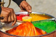 En préparant le tabouret collez le sekeri turc de macun de sucrerie à Edirne image libre de droits