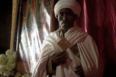 En präst i Lalibela Royaltyfri Fotografi