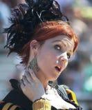 En röd Haired Wench på den Arizona renässansfestivalen Fotografering för Bildbyråer