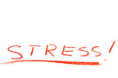 En röd pastellfärgad blyertspenna som ut skriver det stressat för ord Arkivfoton