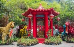 En röd pavillion för kinesisk stil Royaltyfri Fotografi