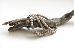 En rad av det Bodhi armbandet Arkivfoton