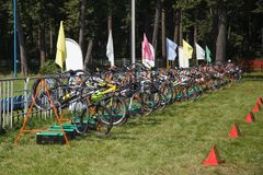En rad av många cyklar Royaltyfri Bild