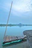 En Raft i lagunen arkivbilder
