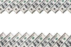 En ram av två rader av räkningar av hundra dollar Vit bakgrund på mittlinje royaltyfri foto