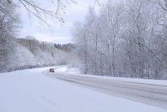 Snöig väg Royaltyfri Bild