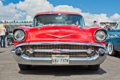 En röd tappning Chevrolet Bel Air Arkivbild