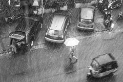 En regnig dag i Jakarta Arkivbild
