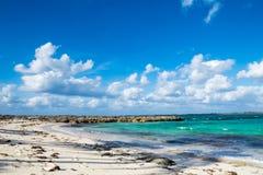 En Rocky Exotic Cove Arkivfoton