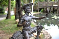 En rolig bronsstaty Royaltyfria Foton
