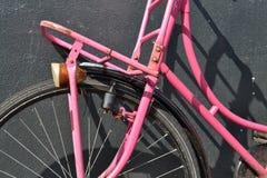 en rosa cykel Fotografering för Bildbyråer