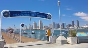 En San Diego Bay View från den Coronado färjalandningen royaltyfri fotografi