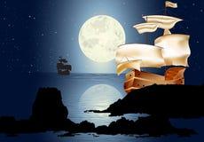 En segelbåt i månsken Royaltyfri Bild