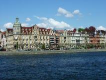 En serie av slottar nära sjön Bodensee i staden av Konstanz arkivfoton