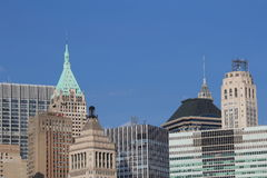 En sikt av byggnader i New York City Royaltyfri Bild