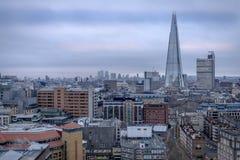 En sikt av centrala London in mot skärvan Fotografering för Bildbyråer