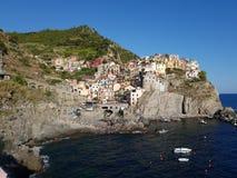 En sikt av Cinque Terre royaltyfria bilder