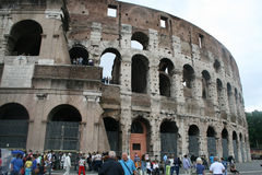 En sikt av Colosseo i Roma-Italien Arkivfoton