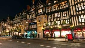En sikt av de härliga julljusen i centrala London royaltyfri fotografi