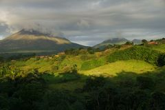 En sikt av den Arenal vulkan, Costa Rica Royaltyfri Bild