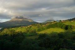 En sikt av den Arenal vulkan, Costa Rica Royaltyfria Bilder