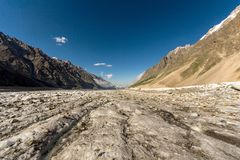 En sikt av den Bezengi glaciären i det centrala Kaukasuset, Ryssland Royaltyfri Fotografi