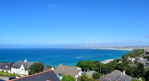 En sikt av den Carbis fjärden, Cornwall, UK Arkivbild
