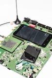 En sikt av den elektroniska strömkretsen (inom mobiltelefonen), Royaltyfria Bilder