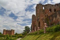 En sikt av den Kenilworth slotten - Warwickshire Royaltyfria Bilder