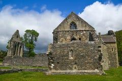 En sikt av den Valle Crusis abbotskloster - Denbighshire Royaltyfria Bilder