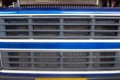 En sikt av det främre slutet av en lastbil arkivfoton