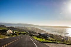 En sikt av Dillon Beach från på kullen på Oceana Marin arkivfoto