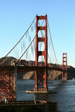 En sikt av Golden gate bridge Royaltyfri Fotografi