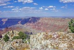 En sikt av Grand Canyon i eftermiddagskuggor Royaltyfria Bilder