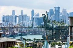 En sikt av havsporten, Singapore Arkivfoton