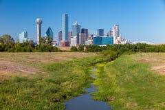 En sikt av horisonten av Dallas, Texas Royaltyfria Foton