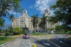 En sikt av hotellet Nacional i havannacigarr arkivfoton