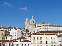 En sikt av kloster på Lissabon Arkivfoto