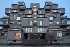En sikt av livsmiljö 67, en modellgemenskap och huskomplexet i Montreal, Quebec, Kanada Arkivfoto