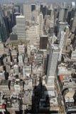 En sikt av Manhatttan uppifrån av Empire State Building Arkivbild