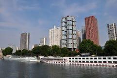 En sikt av Paris och floden Seine Royaltyfri Bild