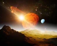 En sikt av planeten och universumet från månens yttersida Royaltyfri Bild