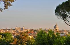 En sikt av Rome från Borghese Ville royaltyfri fotografi