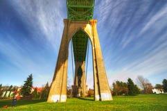 En sikt av St Johns den historiska bron Royaltyfri Fotografi