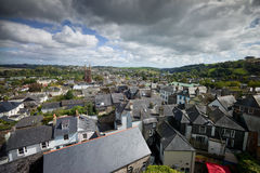 En sikt av Totnes, Devon Arkivbilder