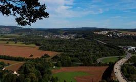 En sikt av Tyskland från förbiser längs en fotvandra slinga royaltyfri foto